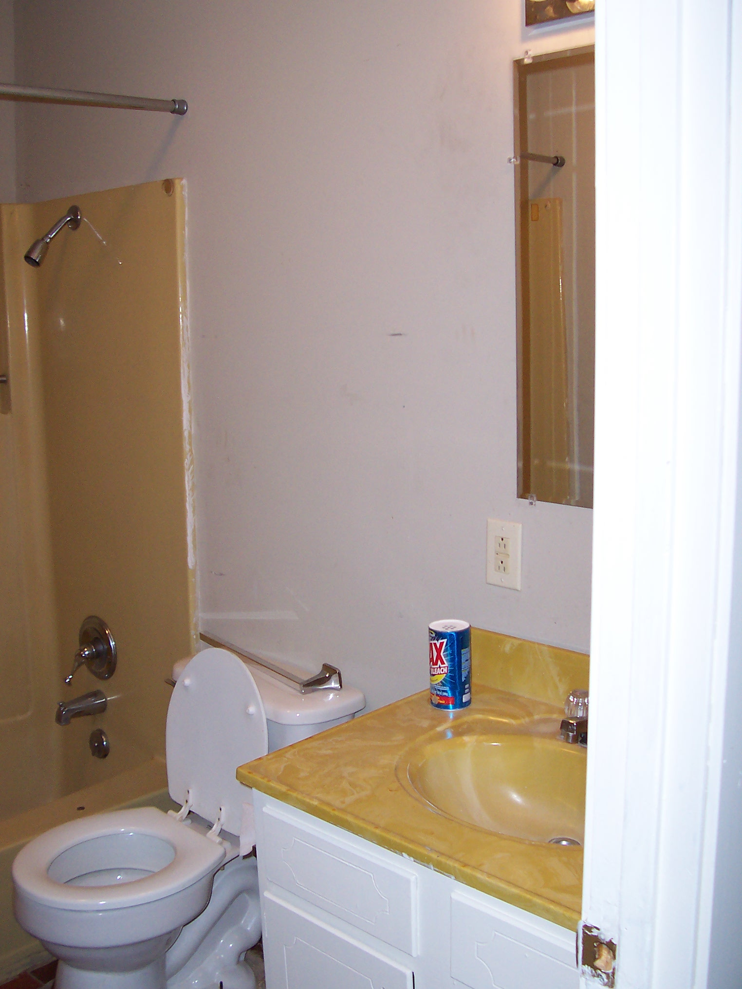 harvest gold toilet seat. Blog  256 Gold Fixtures Bathroom Color Buzz Finish